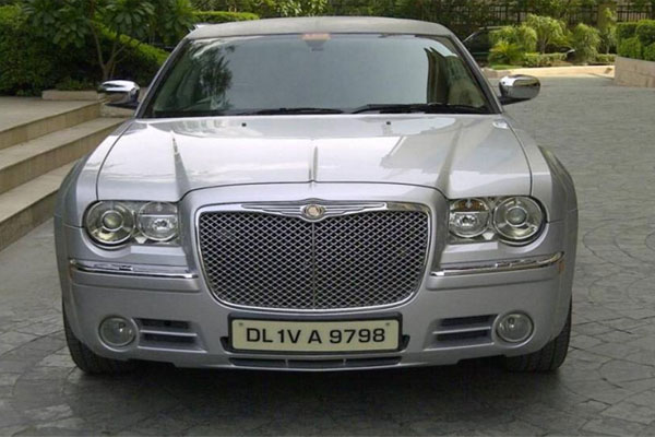 Chrysler Stretched Limousine - Luxury Taxi Company - Car Rental Delhi
