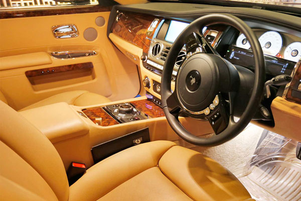 Rolls Royace Ghost Series-2 - Luxury Car Hire Services - Car Rental Delhi