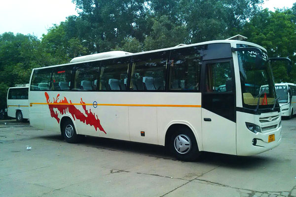 Image result for Large bus in taxi in delhi